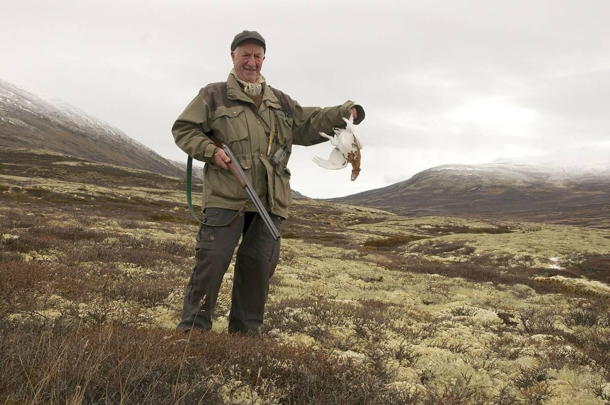 I sitt ess: Bjørn Wegge er i sitt rette element i Folldalsfjella. Her gleder han seg over hver tur i fjellet og hver rype han skyter.