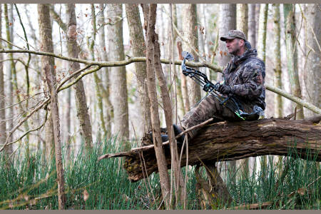 ØKT INNSIKT: Jakt med pil og bue betyr ofte at du blir pinlig klar over dine egne begrensninger. Men akkurat den innsikten gjør deg samtidig til en bedre jeger, selv med et jaktgevær i hånden.