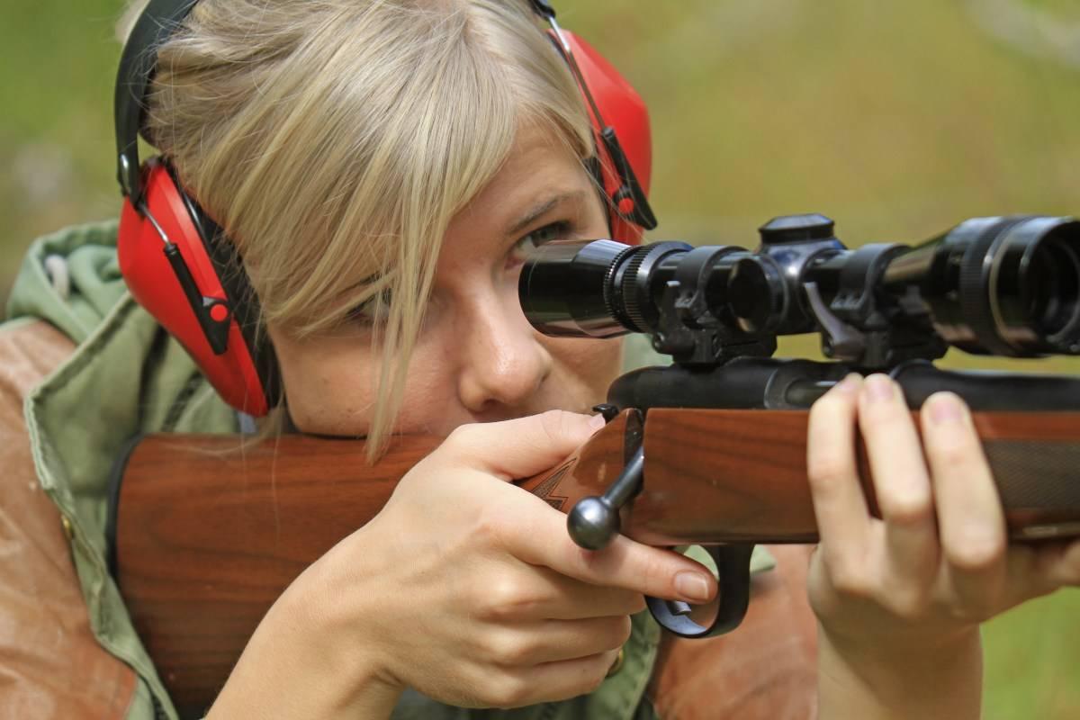 Sommer og skyting:  Bruk sommeren til å bli komfortabel med våpenet ditt. Det gjør deg til en bedre og tryggere jeger.