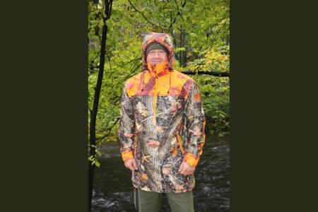 Sidserk: Dovrefjell Hunter Vision er en prisgunstig investering for jegere som er ute etter en sid anorakk.
