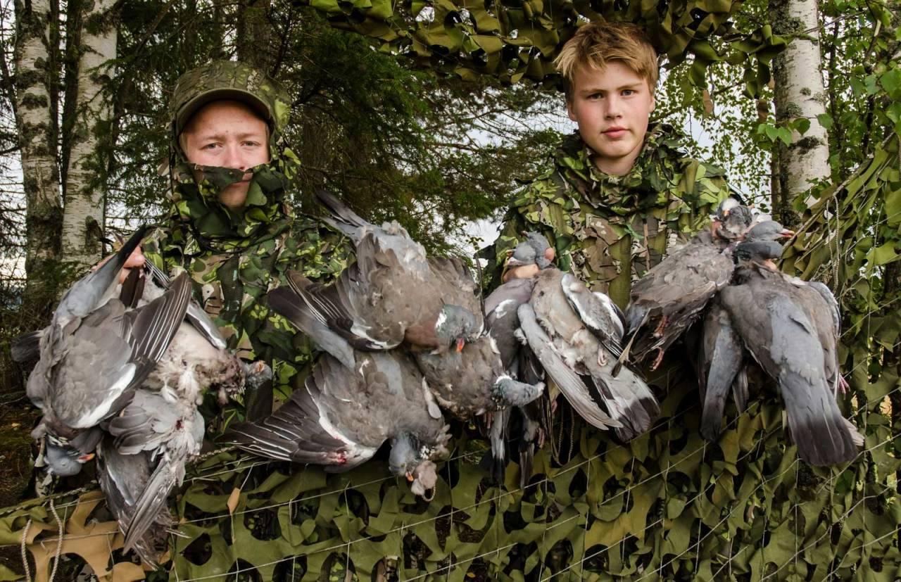 JAKTPRAT: Noe av det beste med duejakt, er at det er en trivelig og sosial jaktform sammen med kompiser.