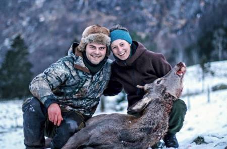 hjortejakt hjortejeger jenter på jakt kvinnelig jeger