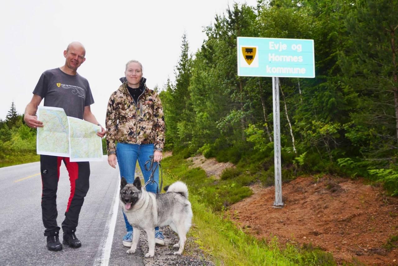 UM 2019: Terrengsjef Lars Johan Skjeggedal og camp-ansvarlig Marte Bakka Haugen ønsker velkommen til Evje.
