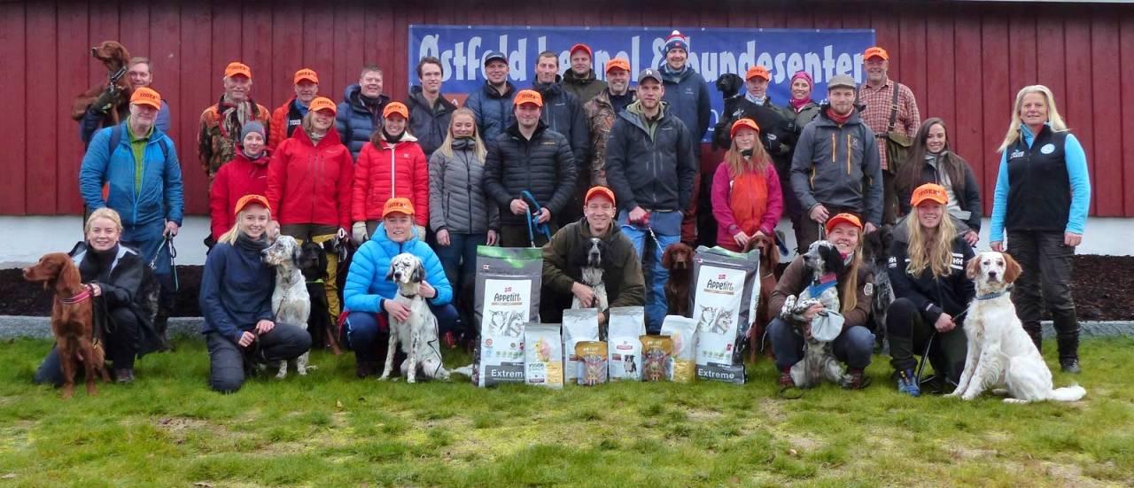 The A-team: Bare blide mennesker og hunder samlet på Østfold Kennel og Hundesenter under ungdomssamlingen!