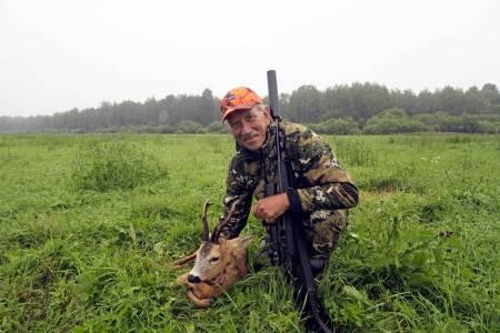 Effektiv kamo: Om det var flaks eller effektiv kamo, skal være usagt, men vi kom oss tett inn på rådyrene i Latvia.