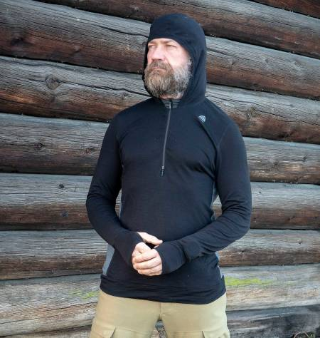 Fleksibel: Med både hetteløsning og glidelås foran kan du stenge igjen og åpne opp alt etter aktivitetsnivå.
