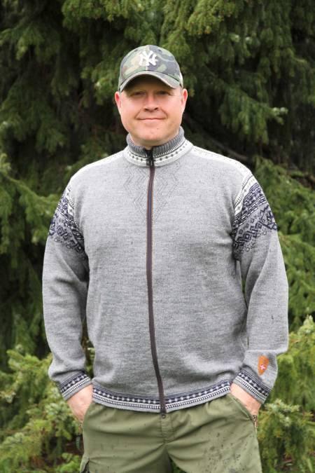 Passe stilfull: Dale Bergen er en flott og anvendelig strikkejakke for en jeger i kjølig vær.