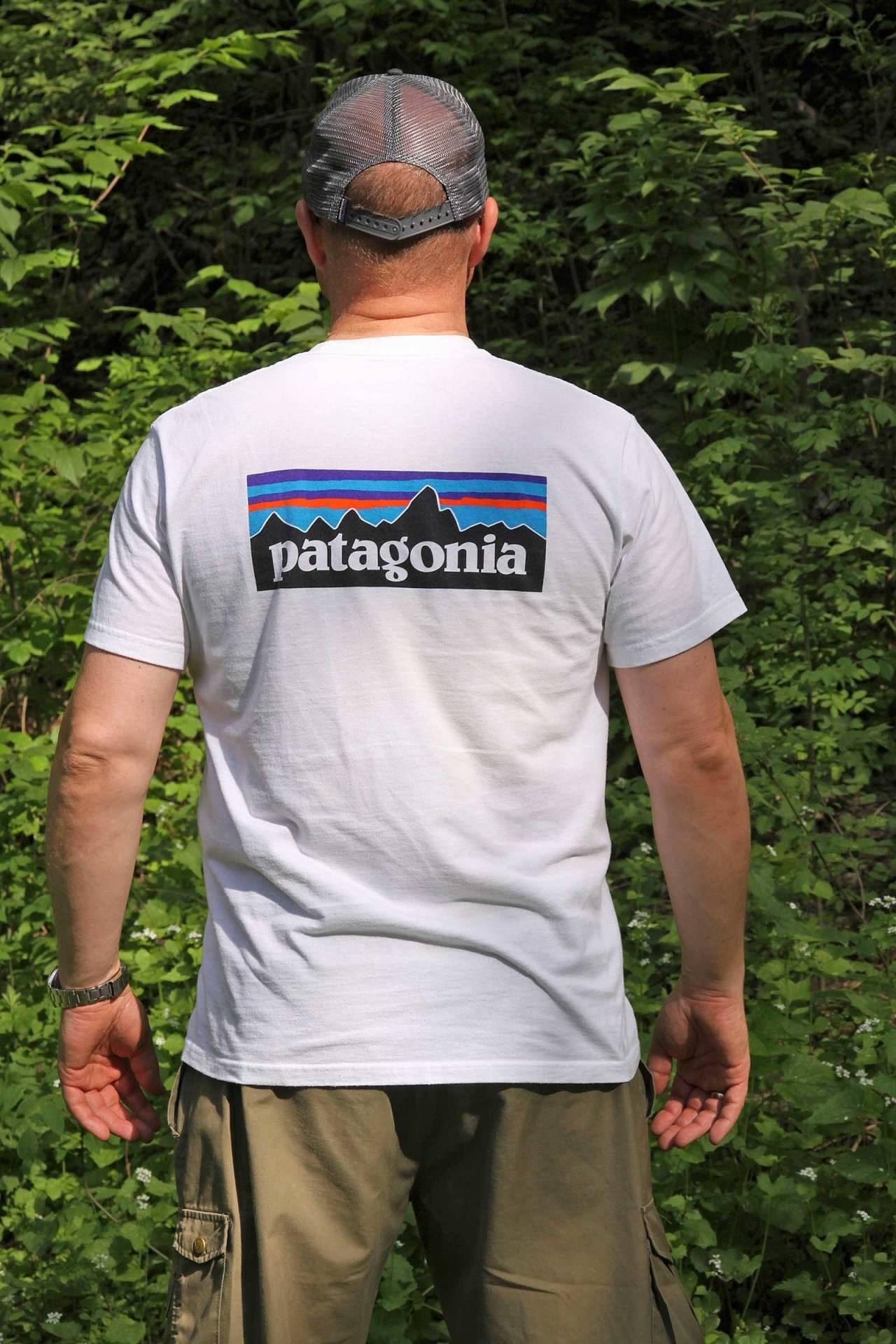 Populær: Patagonias P-6 T-shirt selger i bøtter og spann, ikke minst på grunn av miljøprofilen.