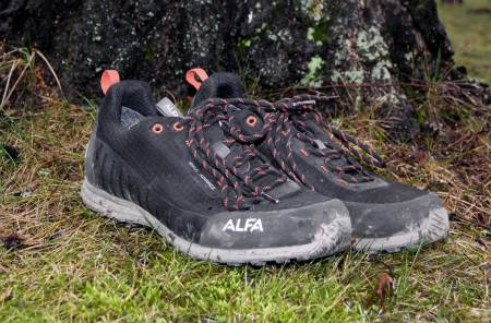 Lett og tett: Alfa Knaus er en meget bra allrounder til både tur og hverdags.