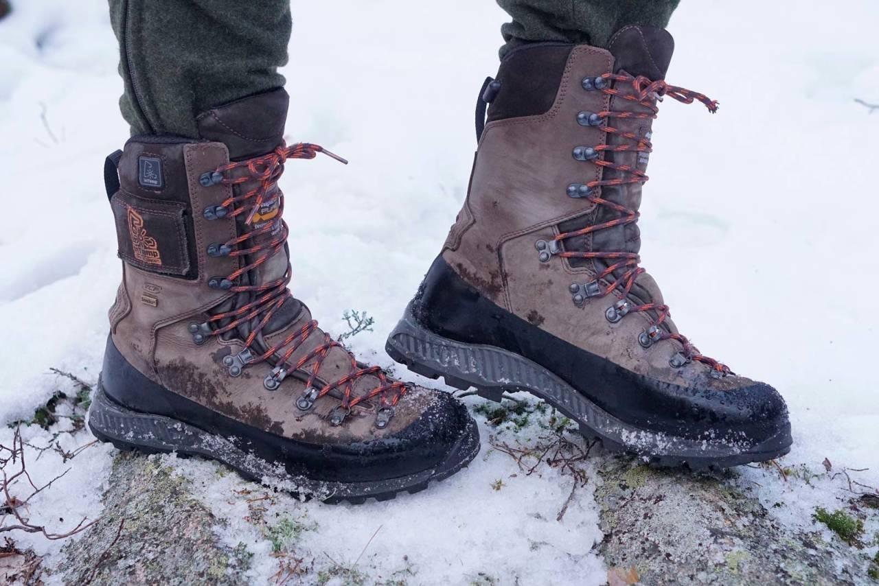 MEN DET ER UTENPÅ: Alpina Hunter Heat ser ut som vanlige jaktstøvler, men bærer på en varm hemmelighet.