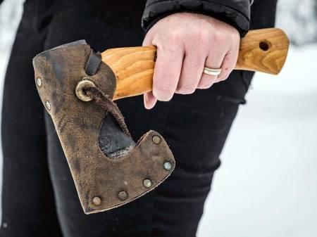 Test av Hultafors Ångelsjön Mini øks