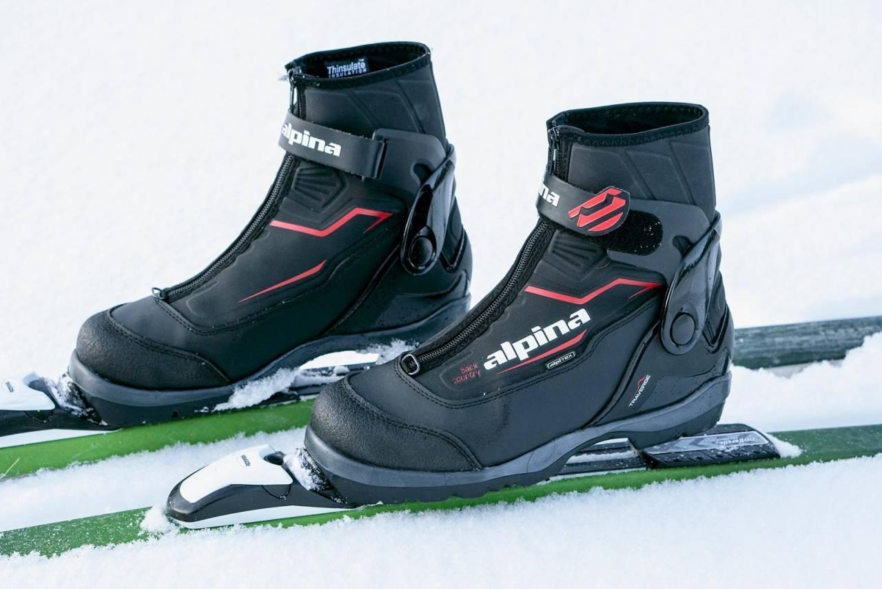 Lett: Utvendig ankelstøtte og høy kalosj gir Travers inntrykk av å være mer robust enn det skoen faktisk er.