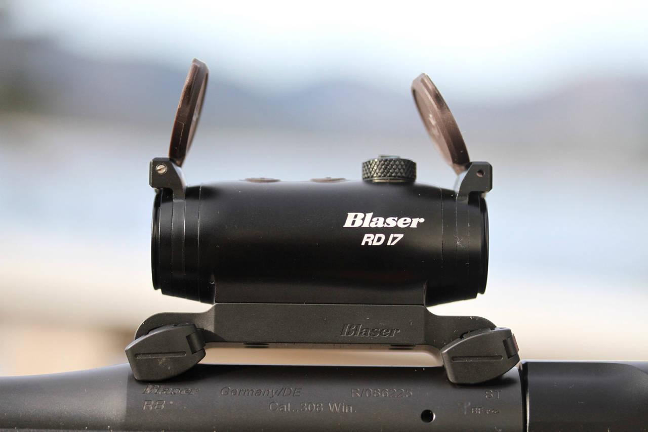 LAV MONTASJE: Den lave, integrerte Blaser-montasjen gir god kinnkontakt.
