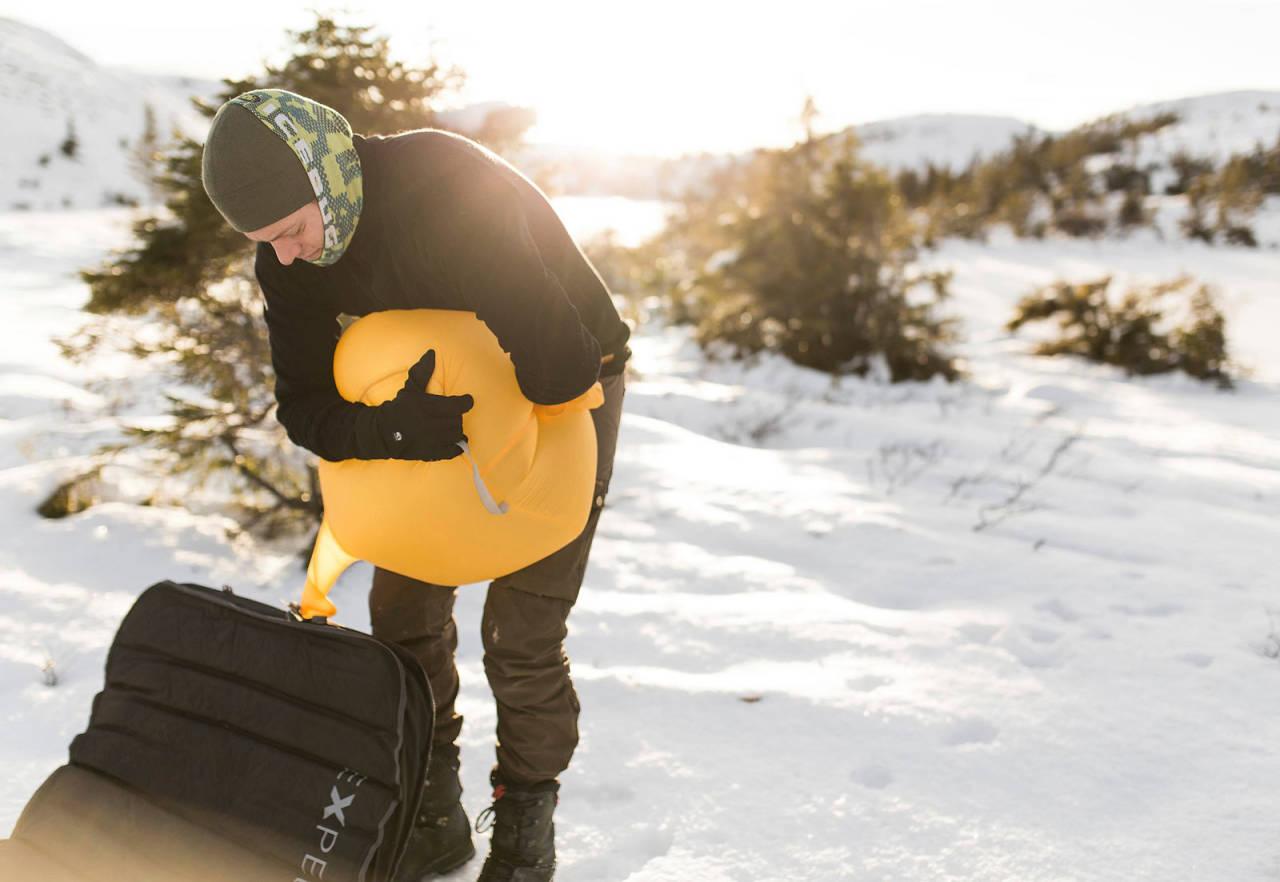 Vintertur: Du slipper være redd for at underlaget stjeler varme fra kroppen din.