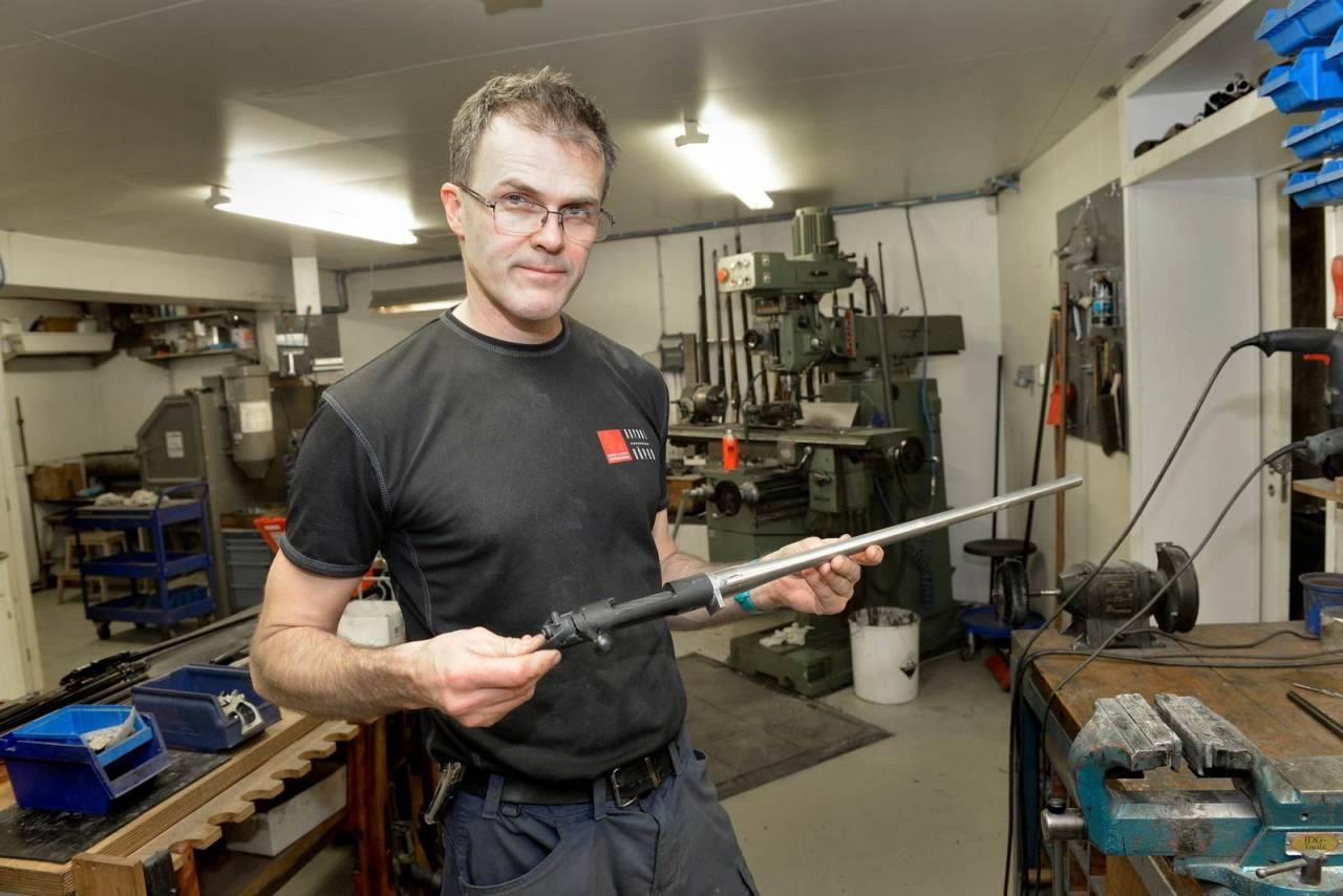 LÅSKASSE: Rafdal bygger ofte våpen fra en Remington låskassekopi. Dette er en 700-klone fra Legendary Arms.