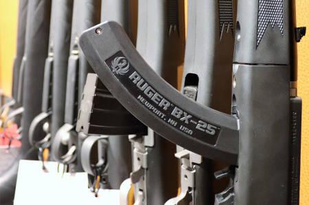 halvautomatisk rifle ruger magasin