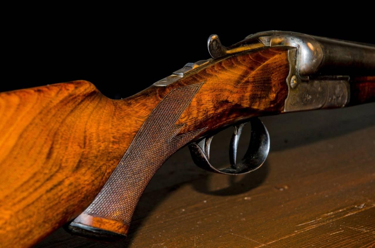 Pusse våpen, stokk, våpenstokk, restaurere våpen